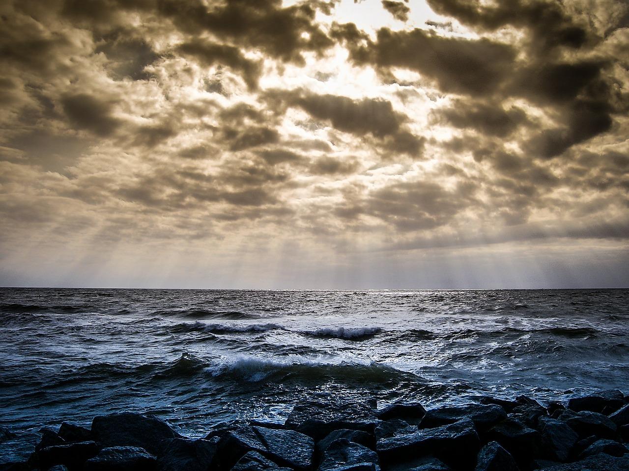tafsir mimpi laut