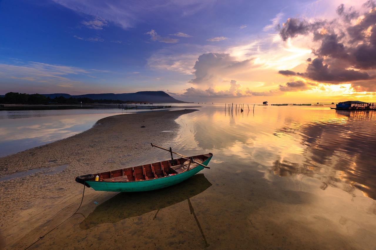 mimpi naik perahu terdampar