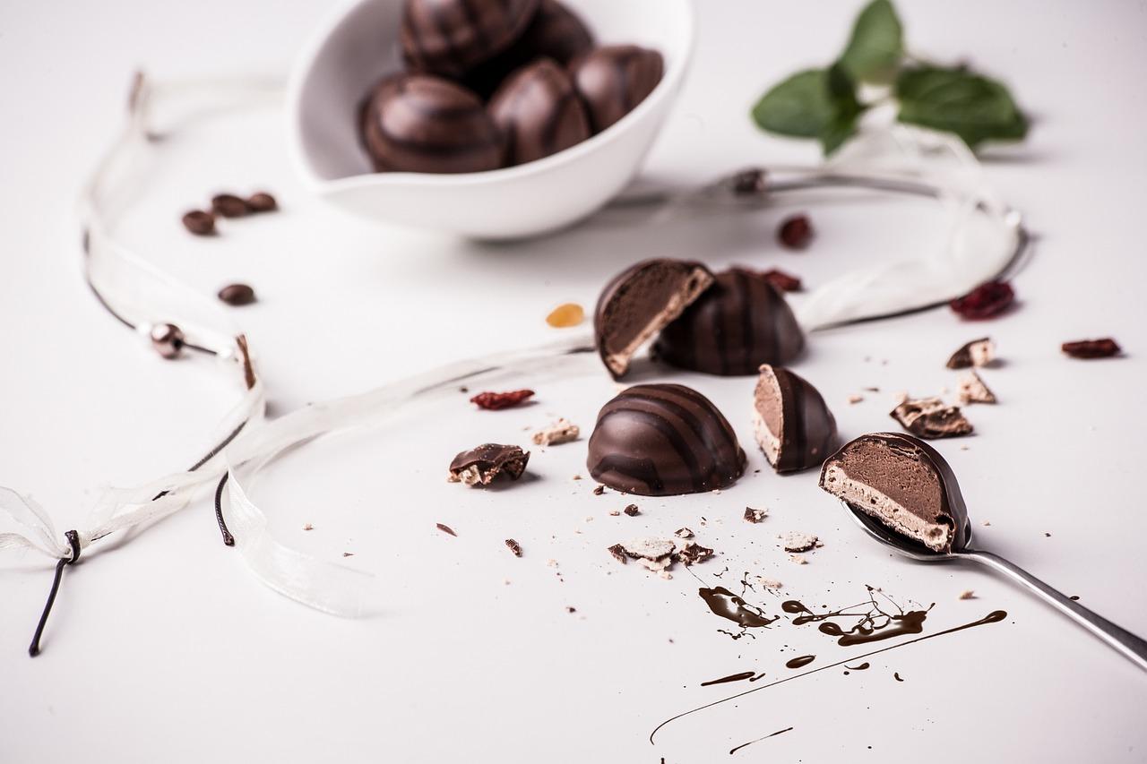 mimpi makan coklat