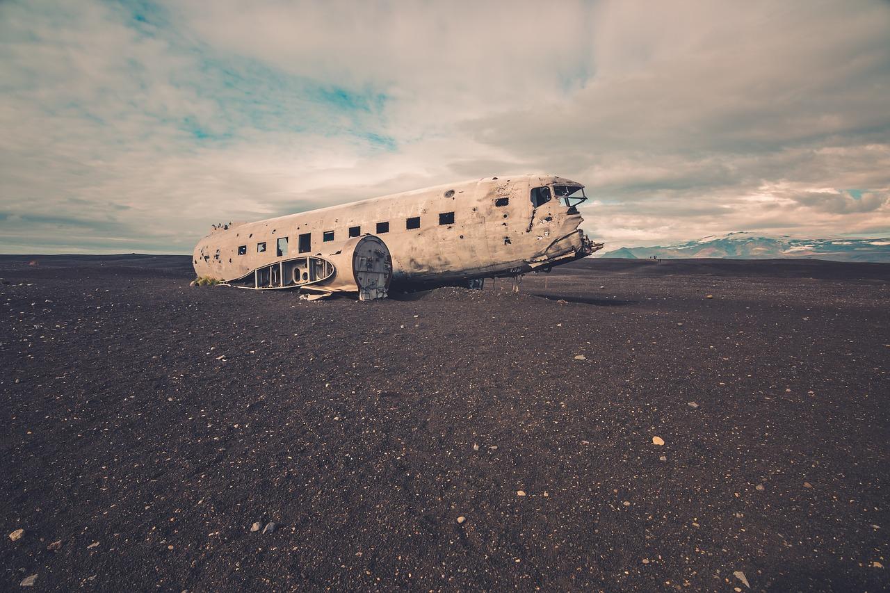 mimpi pesawat jatuh