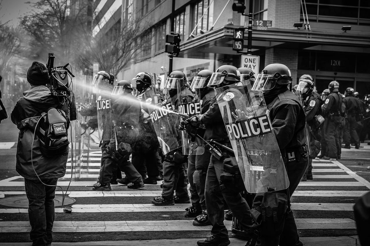 mimpi polisi di jalan