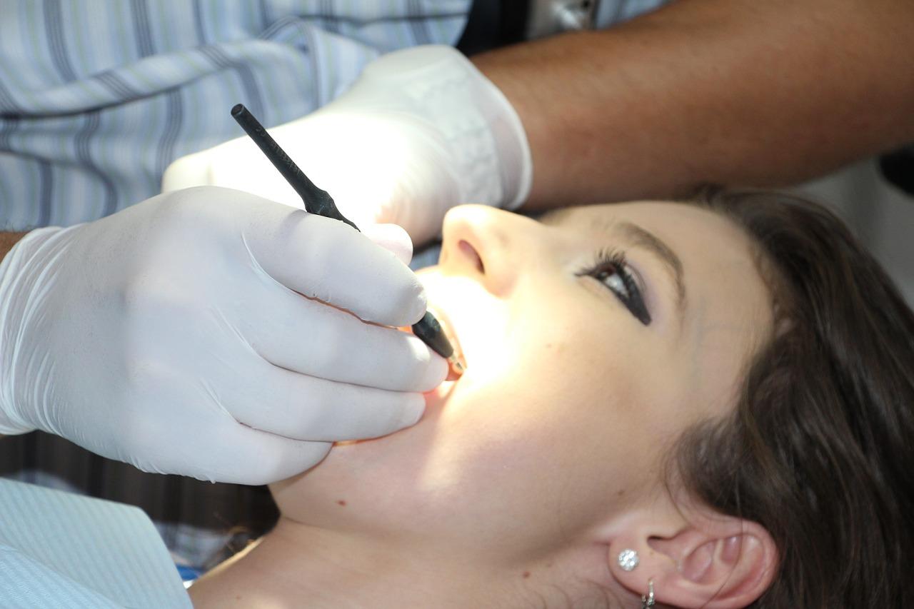 art mimpi gigi patah