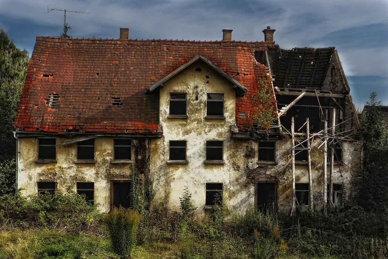 arti mimpi rumah tua