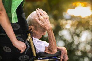 mimpi melihat orang lanjut usia