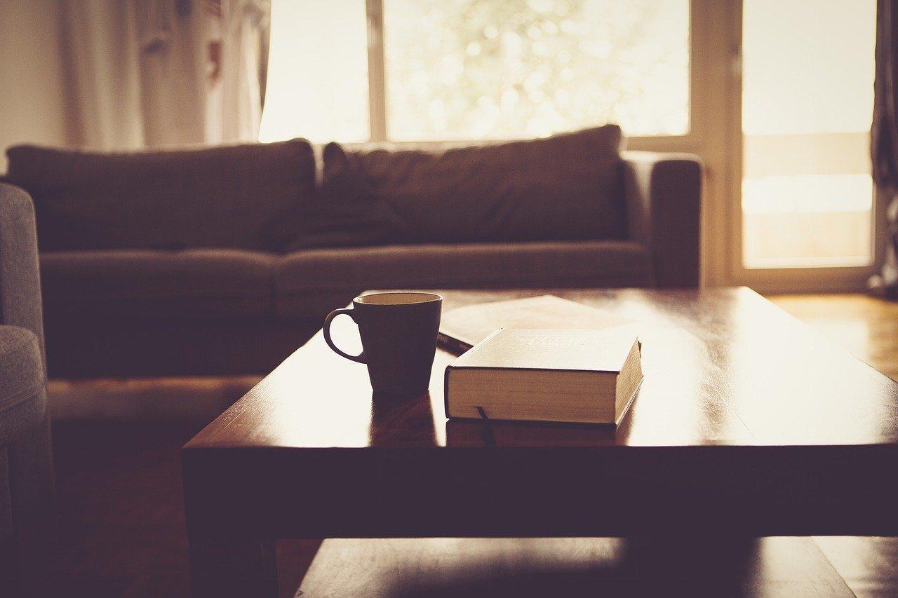 mimpi meja kayu
