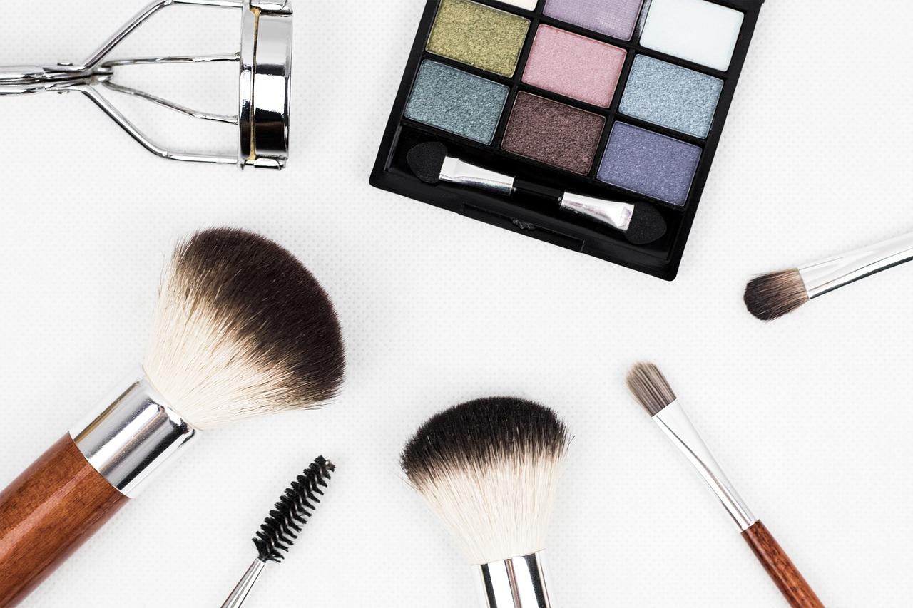 Arti Mimpi Kosmetik
